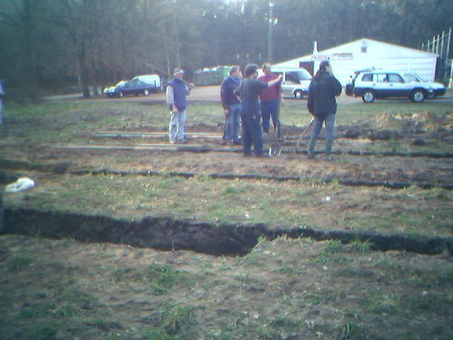 graven van de fundamenten van de nieuwe kantine
